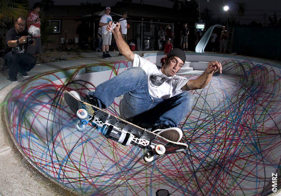 D face spray paint skateboard the vandallist for Best paint for skateboard decks