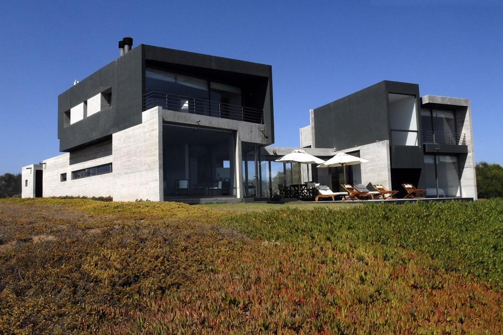 50d28f20b3fc4b41b30002fa_rabanua-dx-arquitectos_350-exterior_06-1000x667