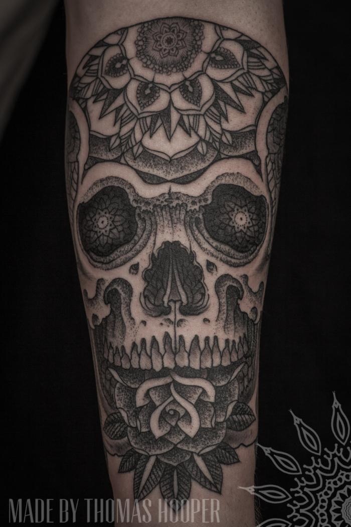 240d00a45e55f THOMAS HOOPER, tattoo artist