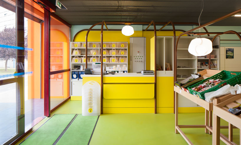 matali-crasset-praline-mini-m-grocery-shop-designboom-04