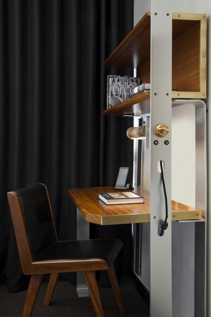 Viceroy-New-York-Desk