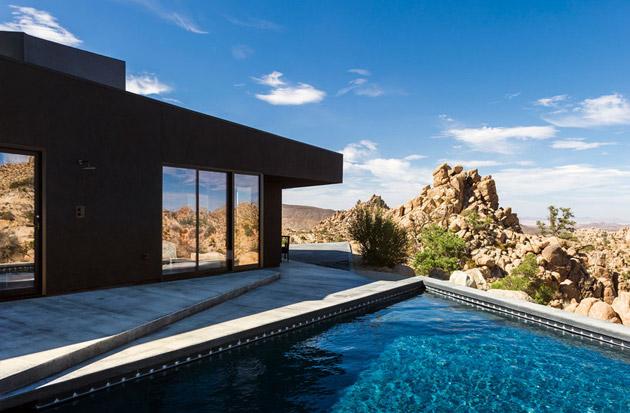 The-Black-Desert-House-by-Marc-Atlan-and-Oller-Pejic-04