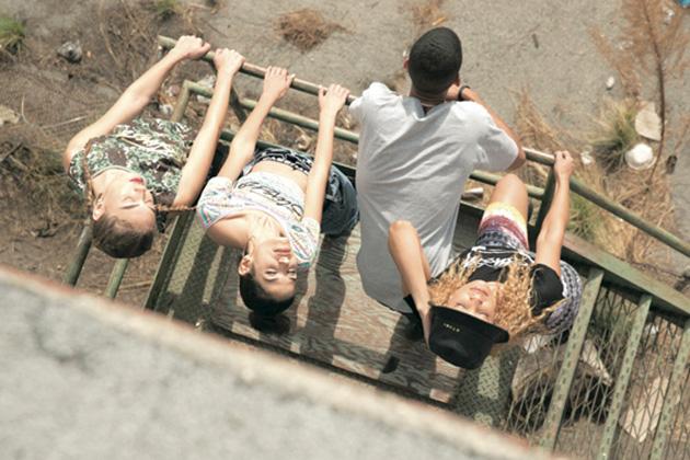 stussy-women-spring-summer-2014-lookbook-07