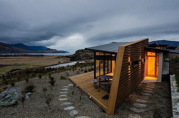 Jagged-Brewer-House-Design-at-Lake-Wanaka-1