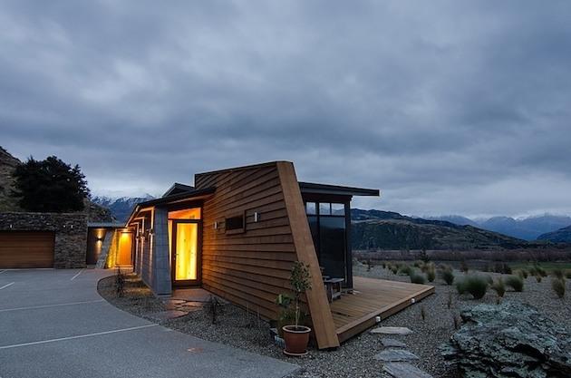 Jagged-Brewer-House-Design-at-Lake-Wanaka-2