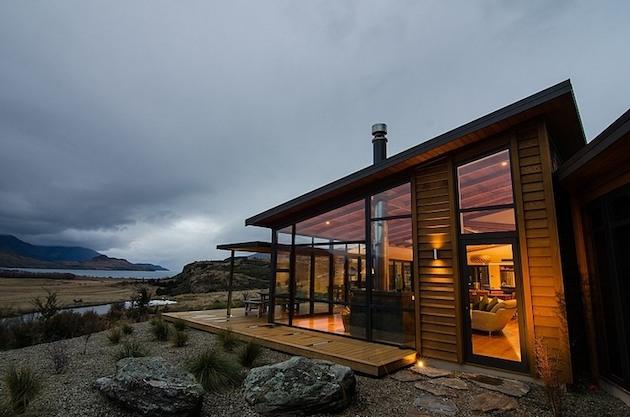 Jagged-Brewer-House-Design-at-Lake-Wanaka-3