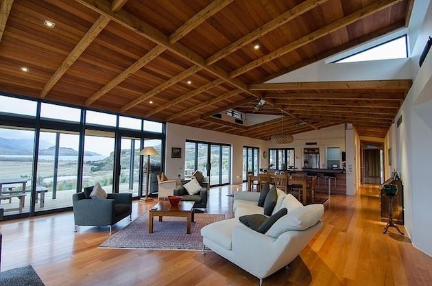Jagged-Brewer-House-Design-at-Lake-Wanaka-4