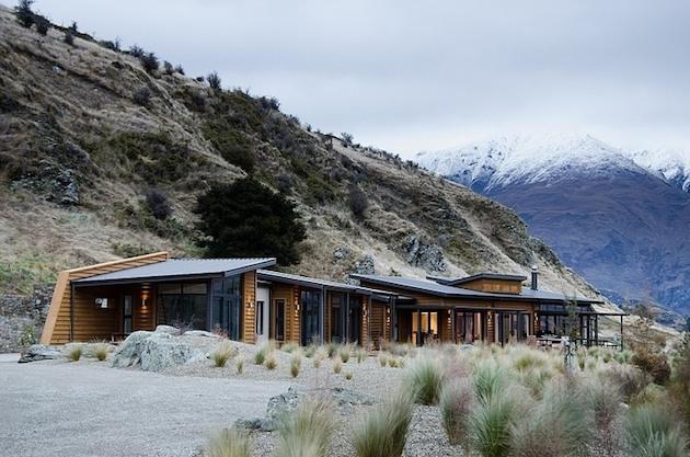 Jagged-Brewer-House-Design-at-Lake-Wanaka-5
