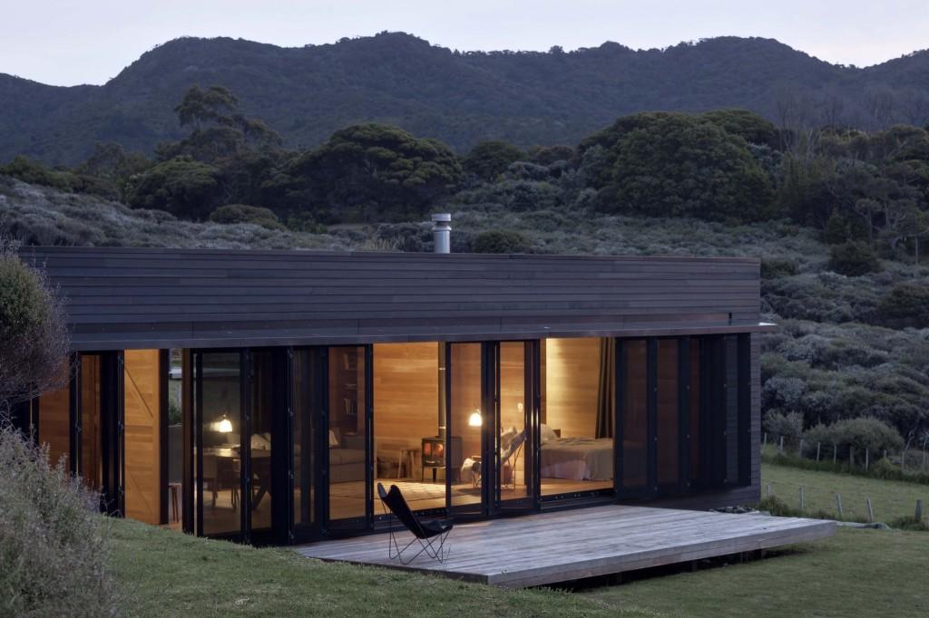 50f401d2b3fc4b077600005b_storm-cottage-fearon-hay-architects_oruawharo_cottage5629