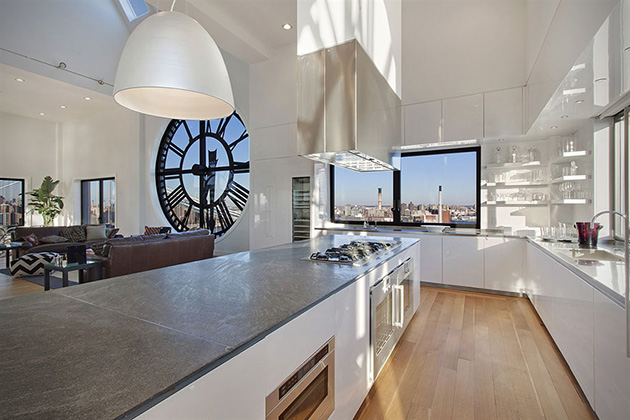 Clocktower-Penthouse-Apartment-in-Brooklyn-New-York-4
