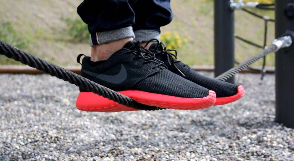 Nike Roshe Run Men S Alibaba Running Shoes Anthracite Black Silver Oiled Suede Nike Discount Discount
