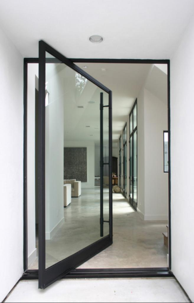Een-prachtige-pivoterende-deur.1356953578-van-boonsid