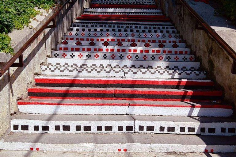 adelaparvu.com-despre-arta-urbana-in-Targu-Mures-Romania-Rakoczi-Stairs-in-Targu-Mures-City-Romania-4