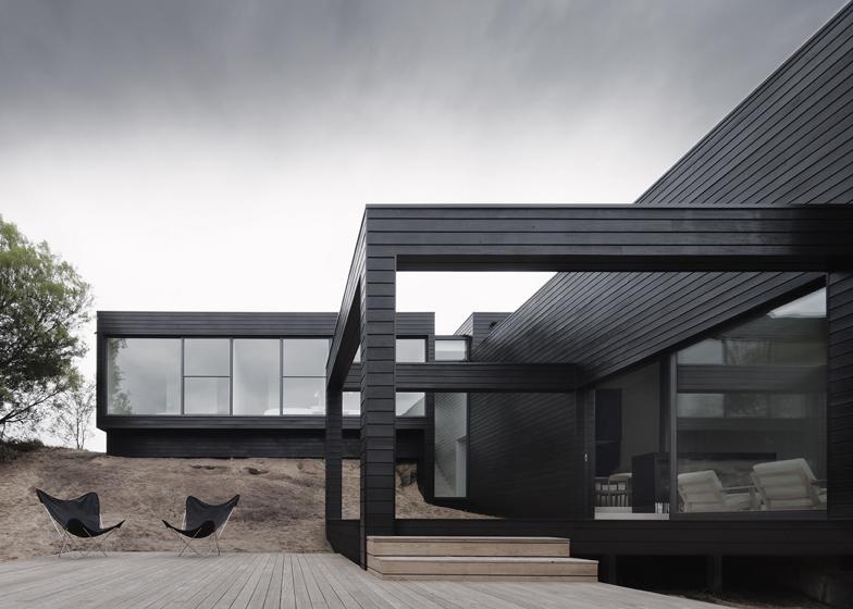 dezeen_Ridge-Road-Residence-by-Studio-Four_ss_3