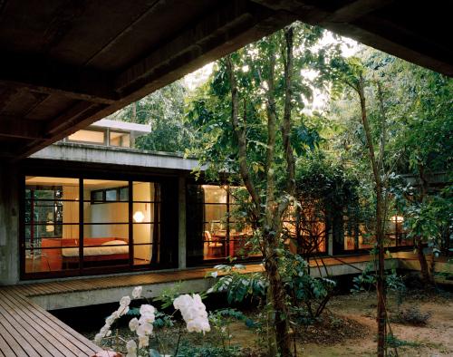 openhouse-barcelona-shop-gallery-forrest-art-architecture-rirkrit-tiravanija-aroon-puritat-chiang-mai-thailand-5