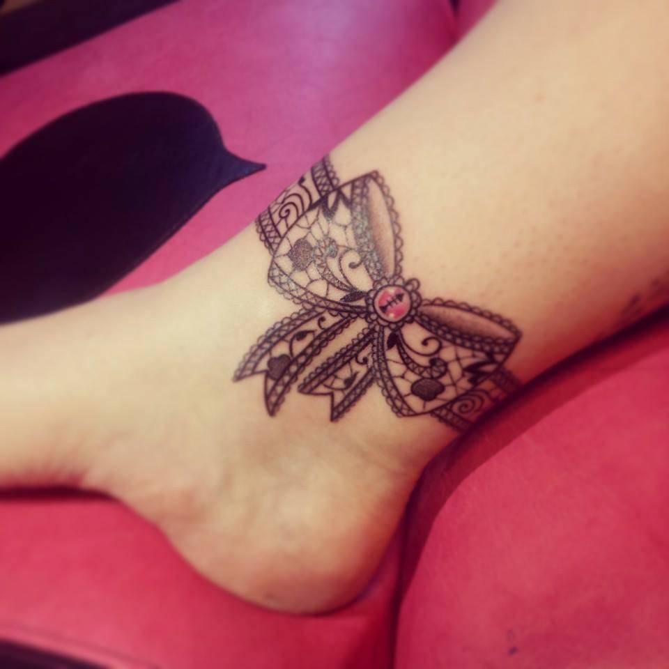 caro, tattoo artist (10)