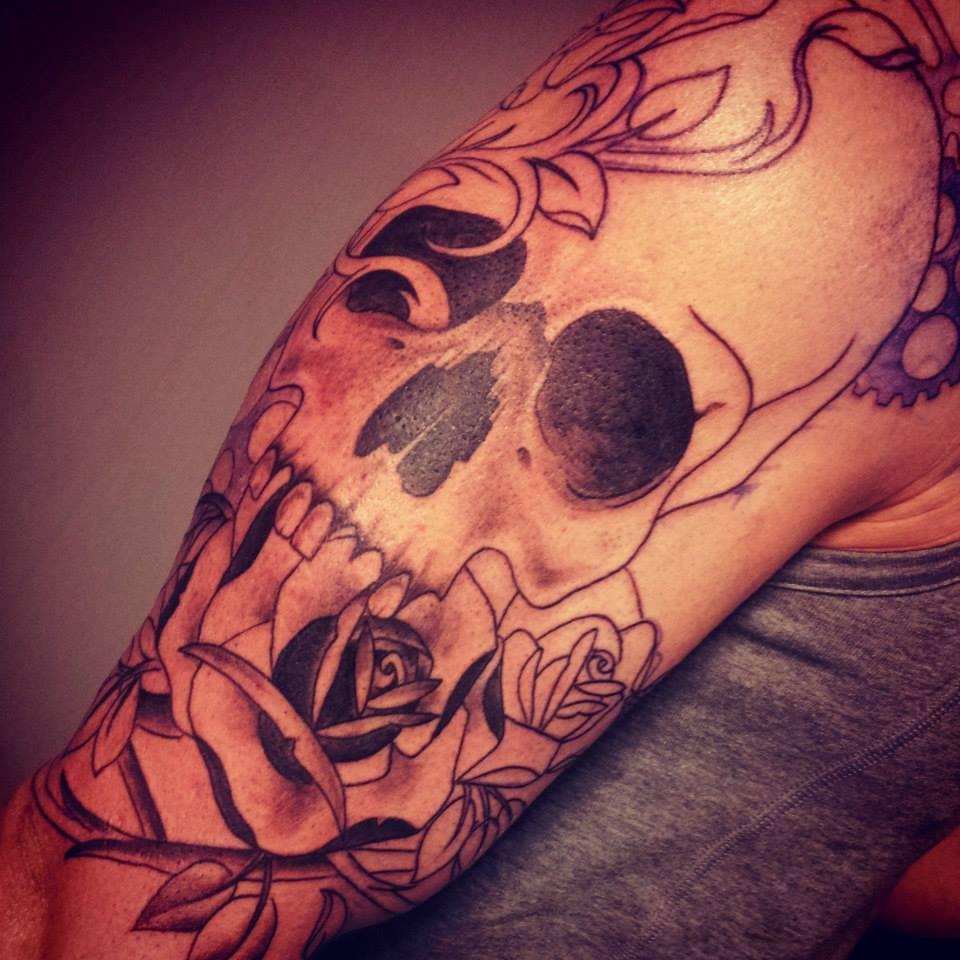caro, tattoo artist (5)