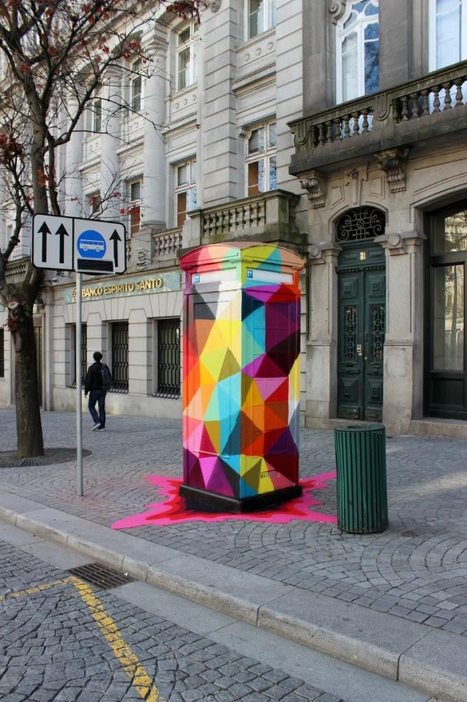 universe-calling-street-art-axa-porto.-portugal